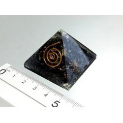 Piramide de orgonite turmalina pequeña