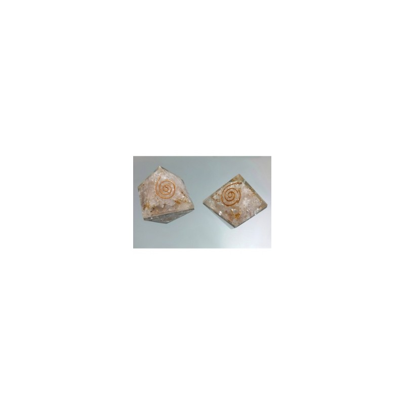 Piramide de orgonite cuarzo rosa pequeña
