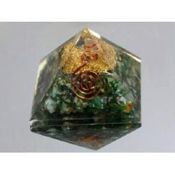 Piramide de orgonite cuarzo verde pequeña